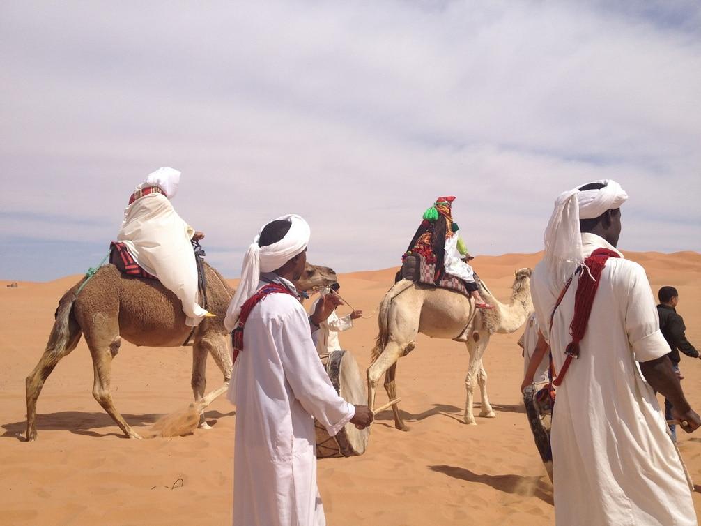 Tradiciones De Boda Bereber En El Desierto