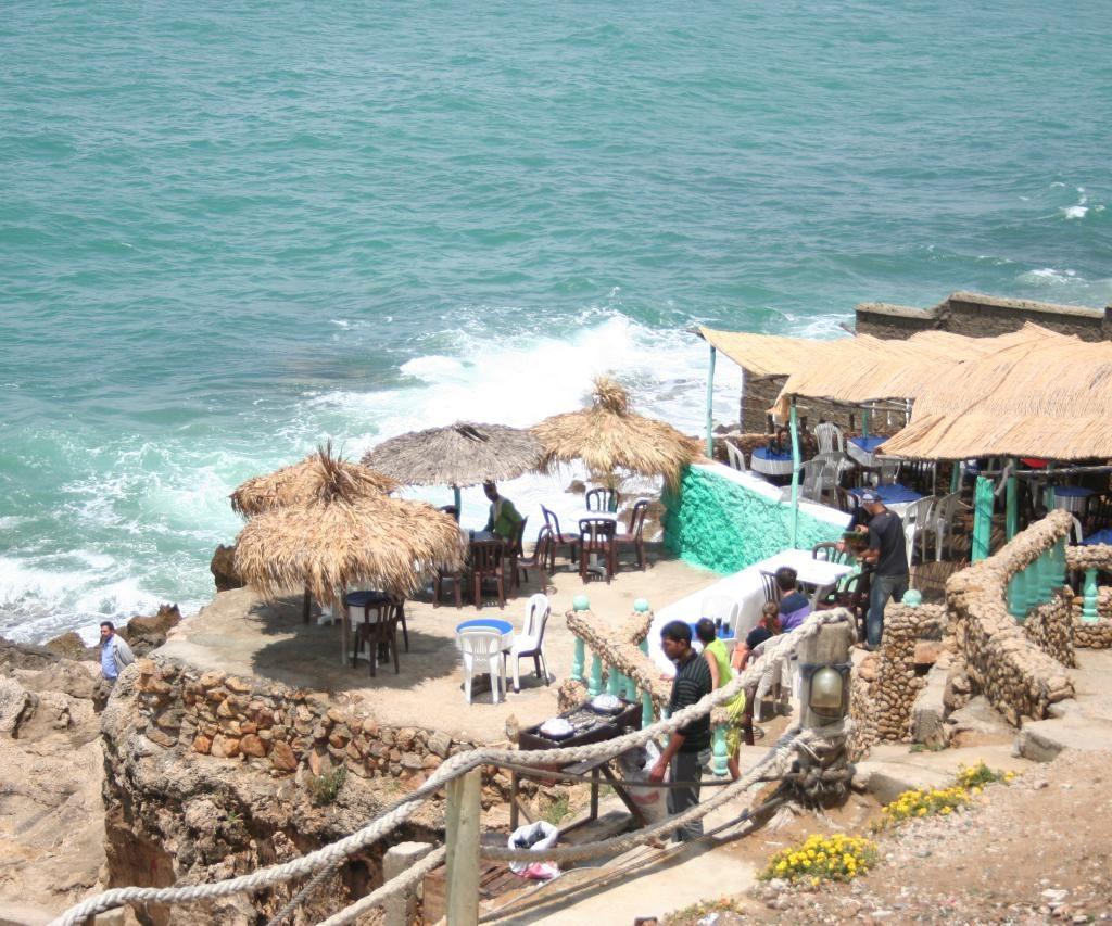 El Mar Cerca De Tánger En La Gruta De Hercules