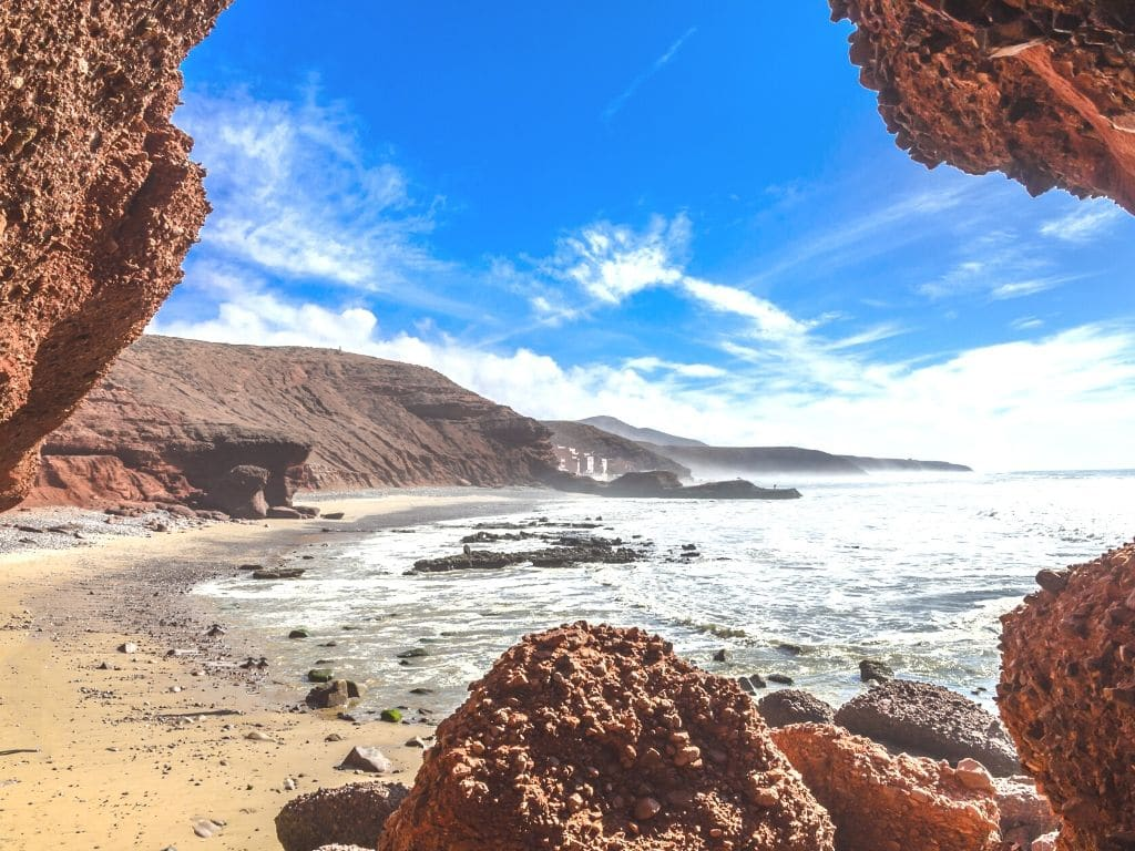 Cuántos km de costa tiene Marruecos