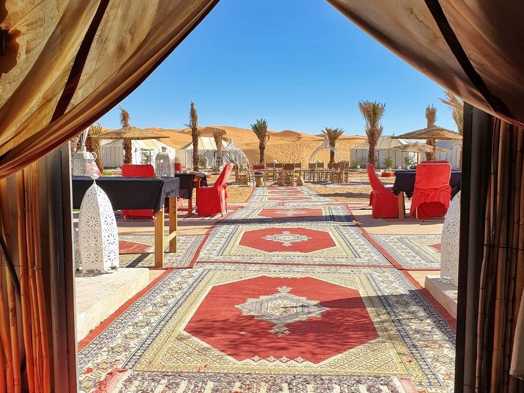 Día 2 – Ouarzazate – Valle del Draa – Alnif – Merzouga - Café du Sud