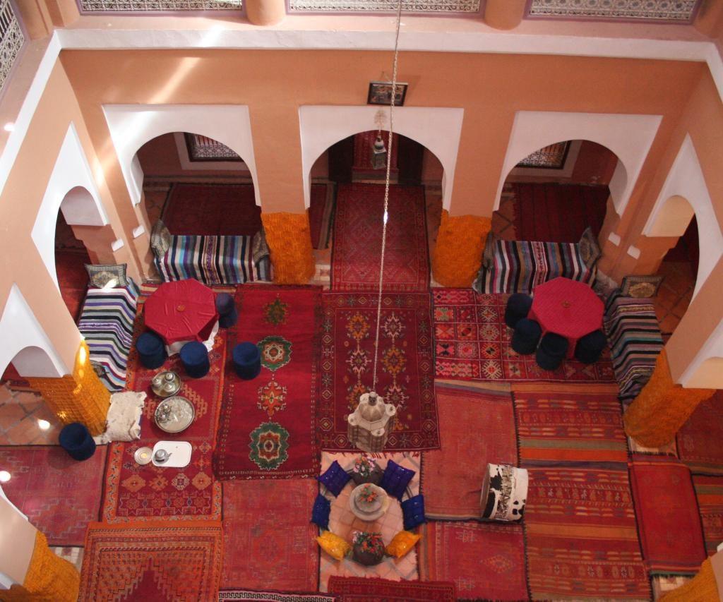 Decoración Y Patio Interior De La Kasbah Tifoultoute En El Sur De Marruecos