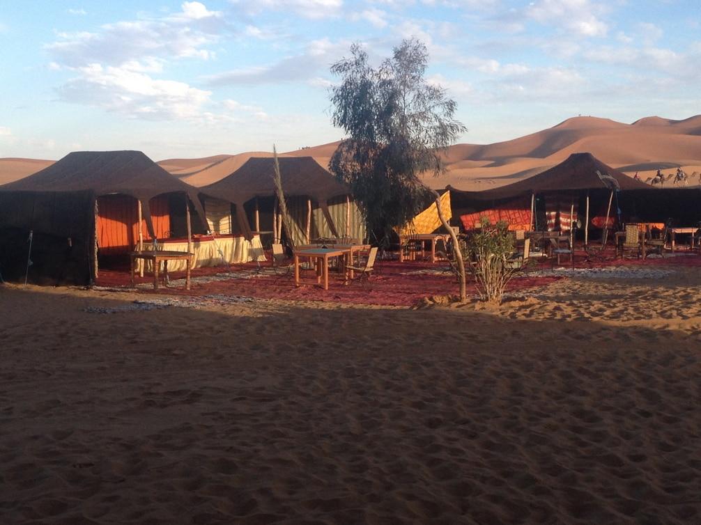 Haimas Berberes En Campamento Del Desierto