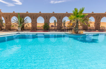 hotel-piscina-desierto marruecos