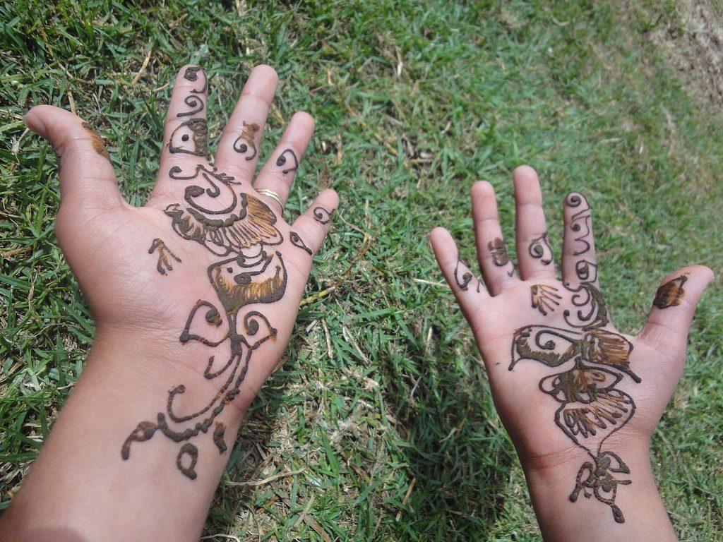 Tatuaje De Henna En Marruecos