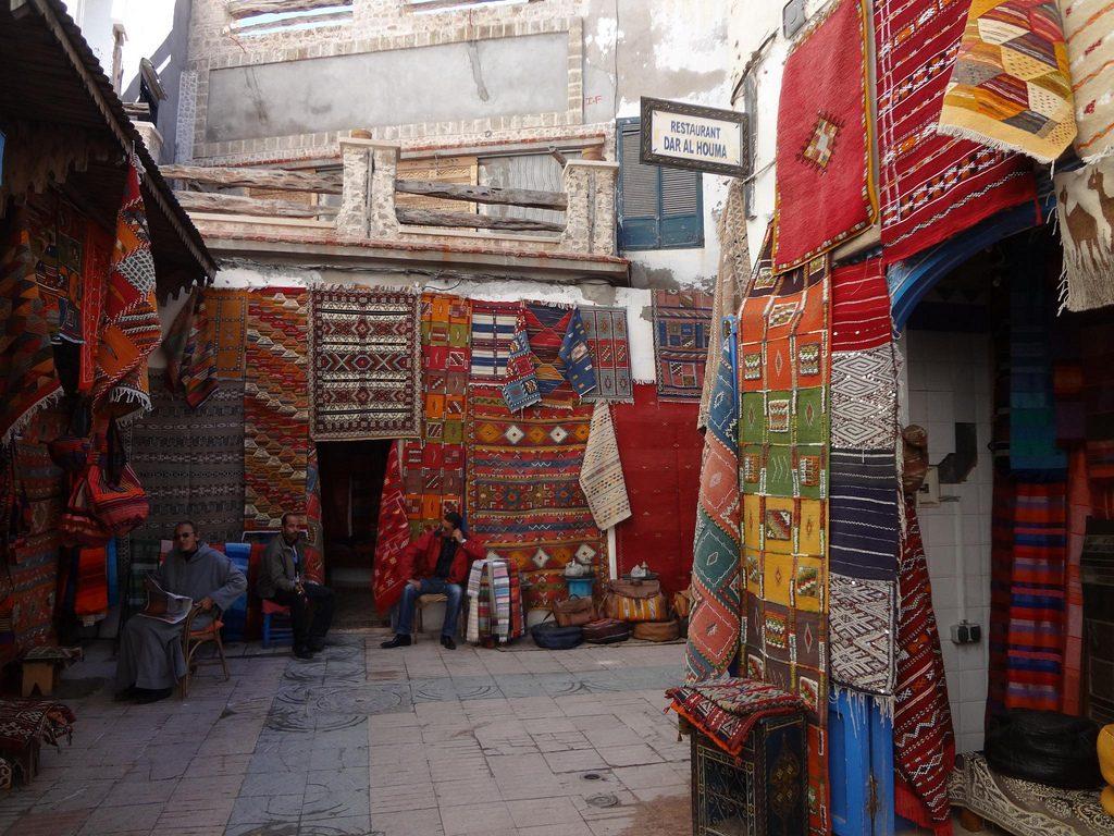 Tienas De Alfombras En La Ciudad Vieja De Essaouira