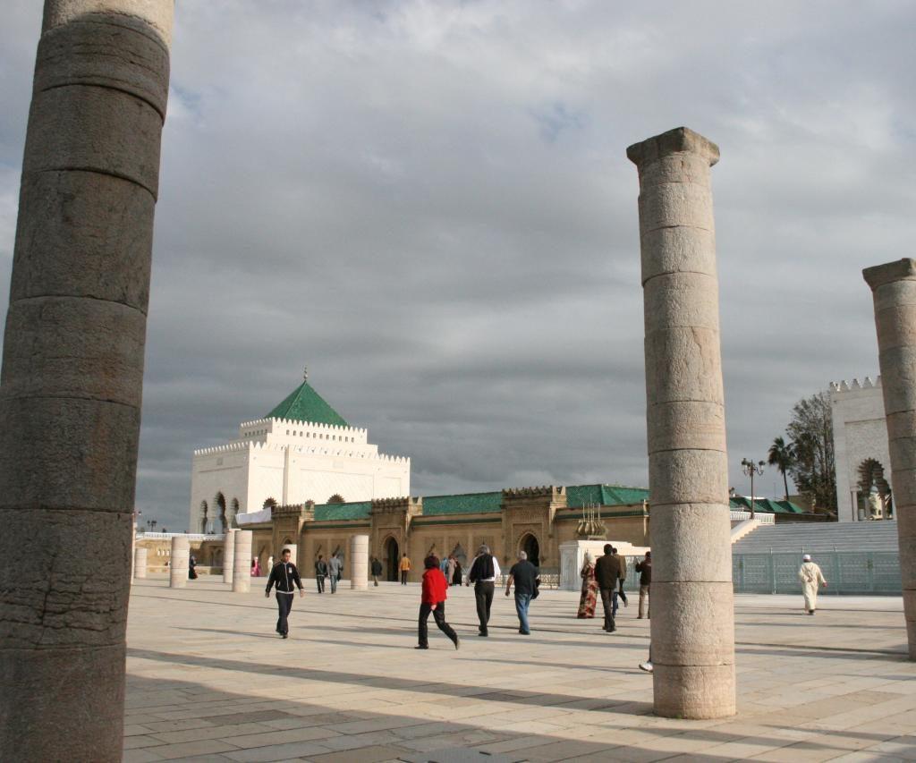 El Mausoleo De Mohamed V Es Un Sepulcro Real En Rabat