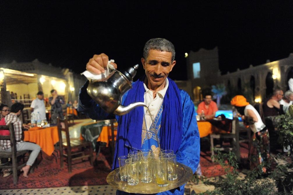 El verdadero té de menta marroquí en el desierto